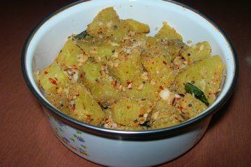 Vazhaikkai-Curry