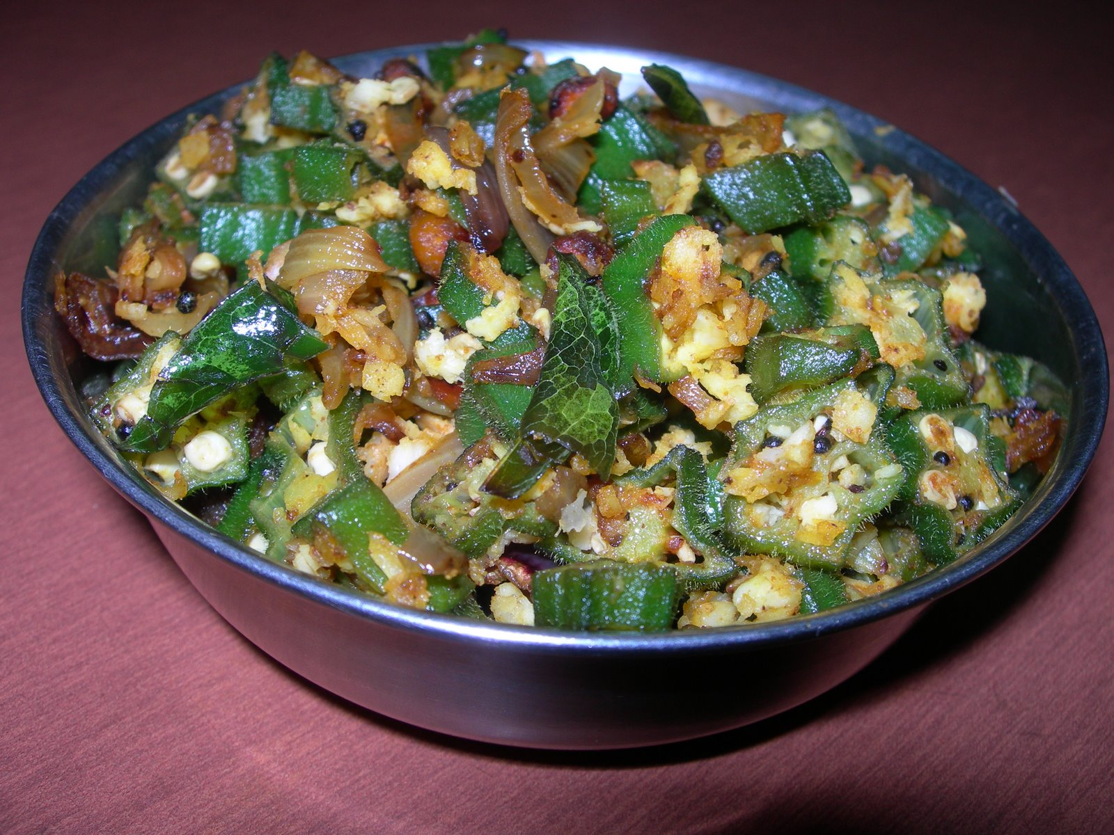 Vendaikai (Ladies Finger/Okra) Poriyal