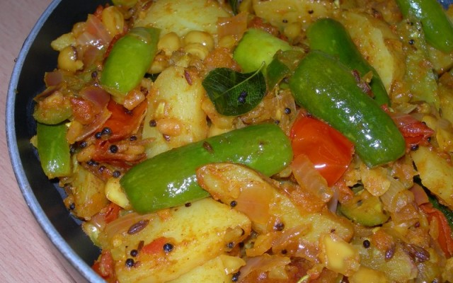 Kovakkai Potato Stir Fry