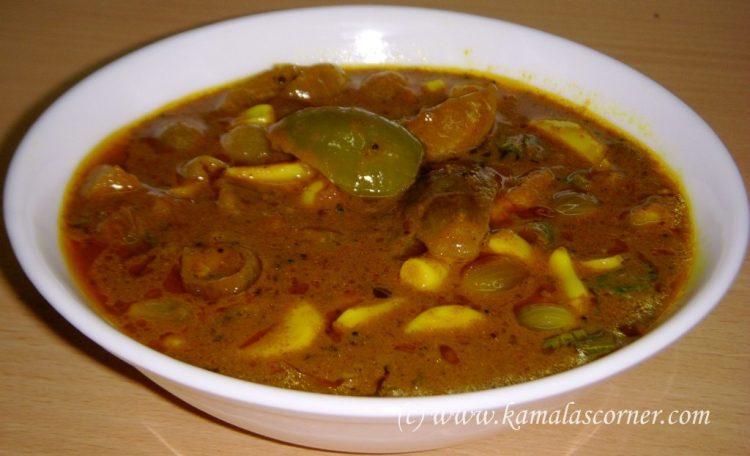 Garlic Brinjal Puzhi Kuzhambu